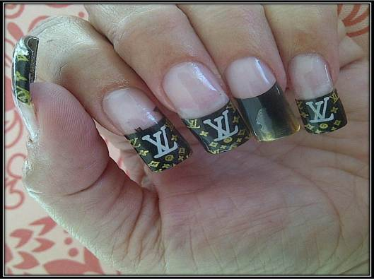Louis Vuitton Nails